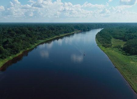 Evaluación científica de la forma y el flujo del río: información de referencia para las directrices de infraestructura en la Amazonía peruana